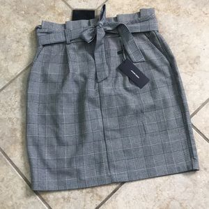 NWT-Houndstooth/checked pattern pencil skirt